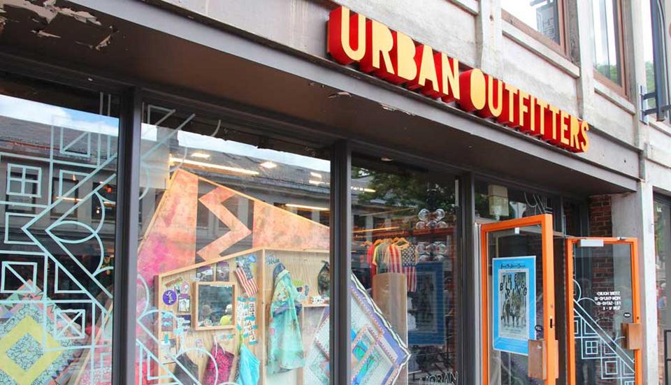 Fachadas de Lojas de Roupas Masculinas Urban Out Fitters