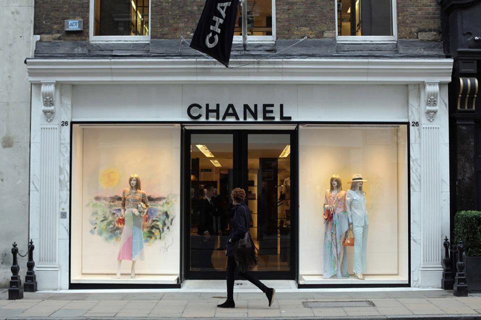 Fachadas de Lojas de Roupas Chanel