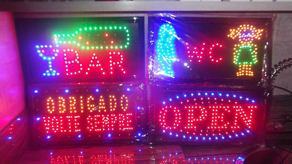 Letreiro Luminoso em LED Colorido