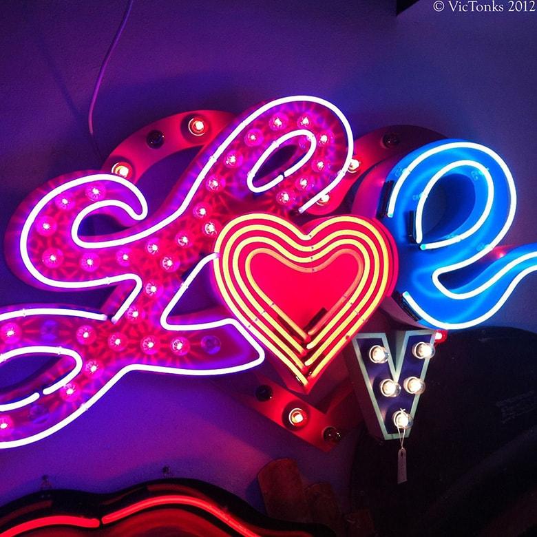 letreiro luminoso love letra iluminada amor neon