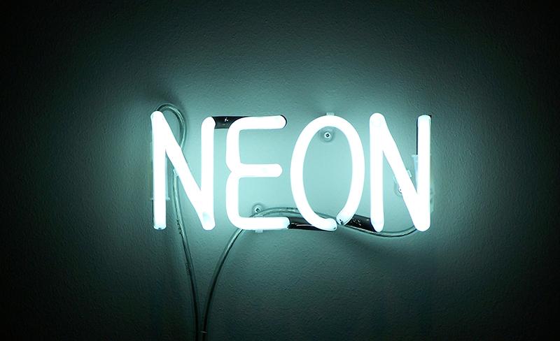 Letreiro Neon Branco