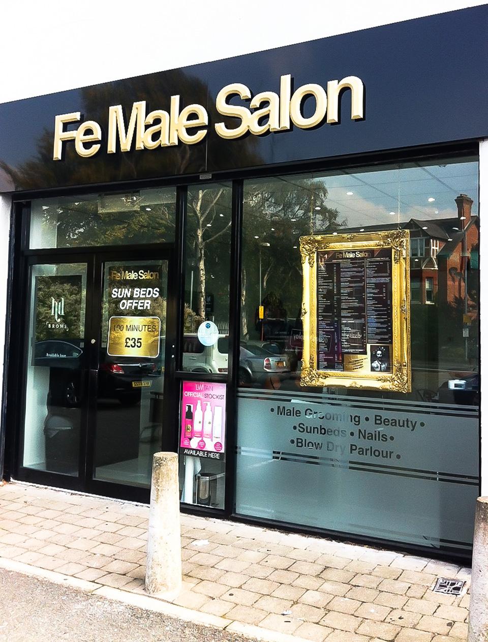 Fachada de Loja Feminina Fe Male Salon