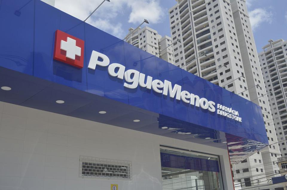 Fachada em ACM Azul farmacia