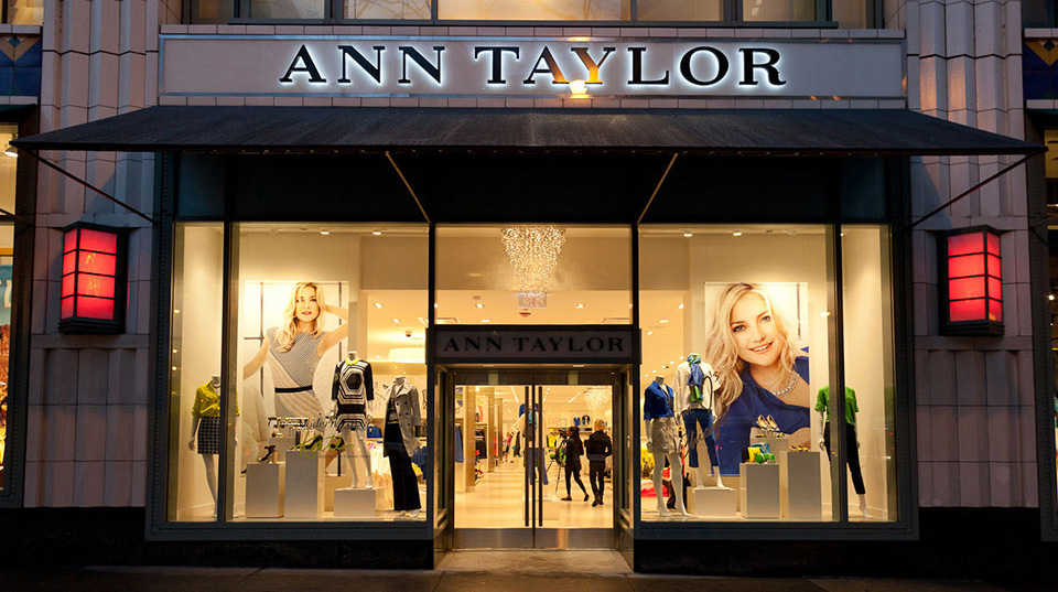 Fachadas de Lojas de Roupas Ann Taylor