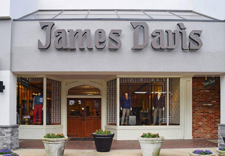 Fachadas de Lojas de Roupas Masculinas James Davis