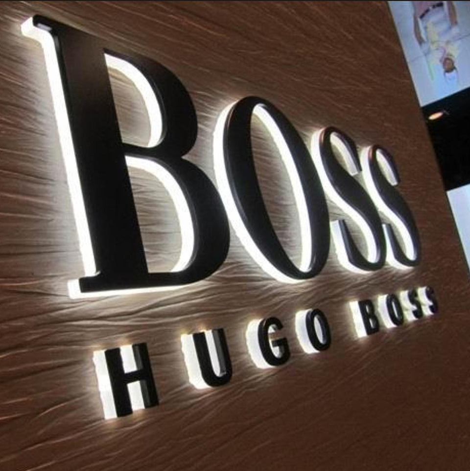 Letreiro de Led Hugo Boss