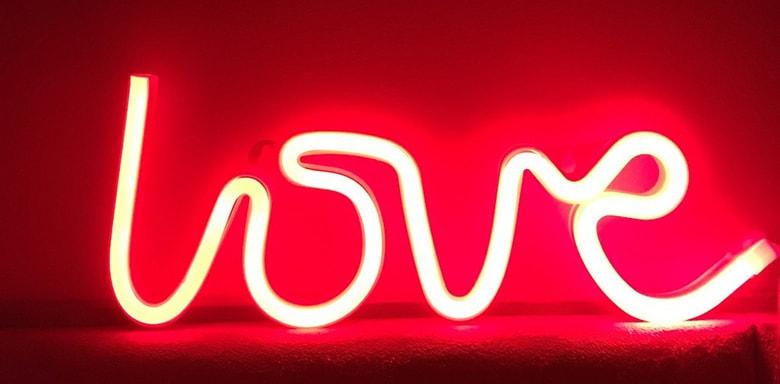 letreiro luminoso love neon letra iluminada amor neon