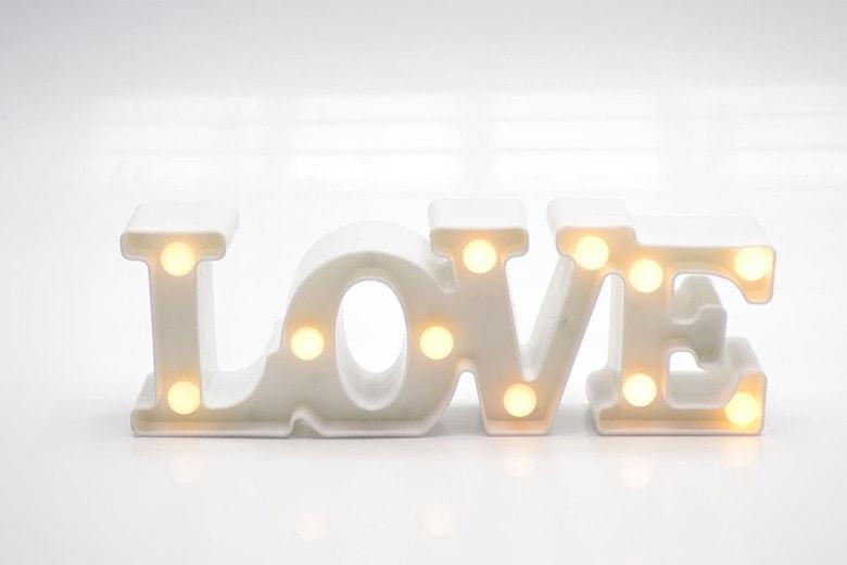 letreiro luminoso love branco letra iluminada amor