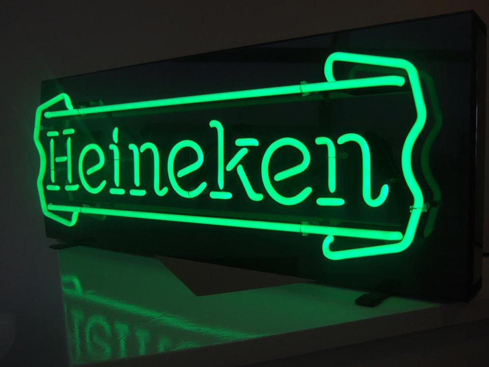 Letreiro Heineken Neon